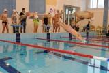 Trzecioklasiści łódzkich szkół podstawowych będą uczyć się pływać - nowy sportowy projekt miasta