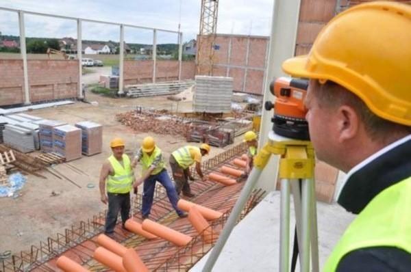 Budowa hali w Chrząstowicach ruszyła przed rokiem.