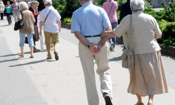 Miesięczne utrzymanie seniora w domach pomocy społecznej to koszt ok 3 tysięcy złotych.