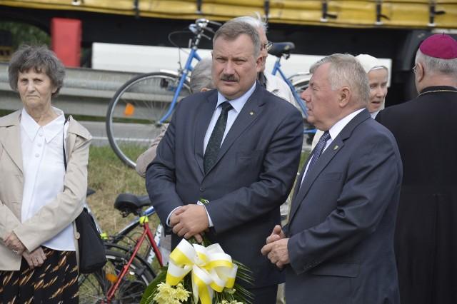 Starosta Krzysztof Figat (z lewej) i Krzysztof Górski, przewodniczący Rady Powiatu Łowickiego