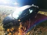 Powiat białogardzki: Wypadek niedaleko Pomianowa. Samochód wylądował w rowie FOTO
