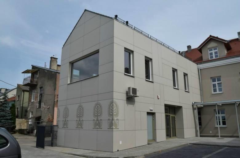 Ostrołęka. Muzeum Kultury Kurpiowskiej nominowane w konkursie Top Inwestycje Komunalne 2019