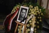 Pogrzeb Jana Olszewskiego [ZDJĘCIA] [WIDEO] Były premier został pochowany na Powązkach, ulicami Warszawy przeszedł kondukt żałobny