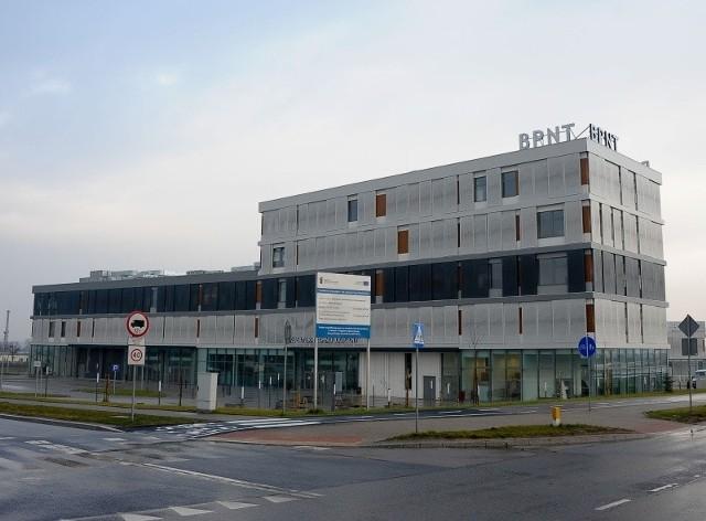 Budowa BPNT pochłonęła ok. 170 mln zł. Obiekty zostały oddane do użytku w maju. Na razie nie wiadomo, ile zajmie usunięcie wszystkich usterek.