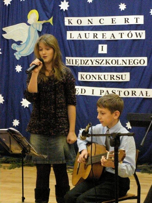 Zwyciężył zaś duet z choroszczańskiej podstawówki: Zofia Gaweł i Paweł Mielech (na zdjęciu).