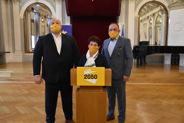 Tomasz Żmuda, Grażyna Barwacz i Piotr Górnikiewicz mają tworzyć  w Tarnowie struktury partii Szymona Hołowni