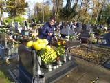 Tłoku na cmentarzu w Miastku nie ma. 4 wnioski do burmistrza o odkup kwiatów (ZDJĘCIA)