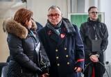 Owsiak pożegnał Pawła Adamowicza w Bazylice Mariackiej w Gdańsku. Pokłonił się przy trumnie w piątek i uczestniczył w sobotnim pogrzebie