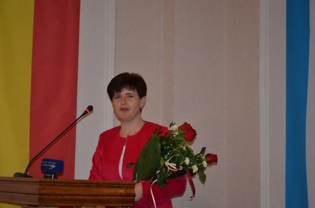 Krystyna Klunder na sesji otrzymała kwiaty.  Podkreśliła, że ten sukces, to zasługa całej załogi zakładu.