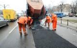Tu drogowcy będą łatać dziury we Wrocławiu w poniedziałek 2 sierpnia [LISTA ULIC]