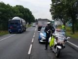 Śmiertelny wypadek rowerzysty w Osjakowie. Potrącenie rowerzysty przez ciężarówkę na DK 74 koło Wielunia