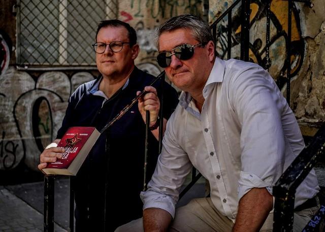 Marcin Faliński (z prawej) i Marek Kozubal: Cenną wartością naszych książek jest to, że potrafiliśmy opisać w sposób przystępny rzeczywiste funkcjonowanie Agencji Wywiadu