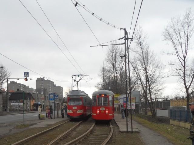 """Tramwaje typu E1 dorobiły się u pasażerów kilku przezwisk. Nazywano je m.in. """"sznyclami"""", """"francikami"""" czy """"wiedeńczykami"""""""