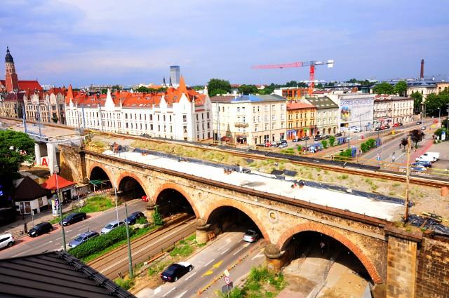 Opóźnia się przebudowa zabytkowego wiaduktu kolejowego nad ul. Grzegórzecką