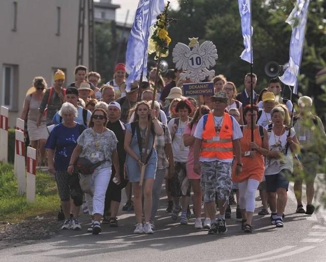 W piątek 6 sierpnia na szlak wyruszą pielgrzymi z dwóch radomskich kolumn. Pątników będą obowiązywały zasady bezpieczeństwa wymuszone przez pandemię koronawirusa.