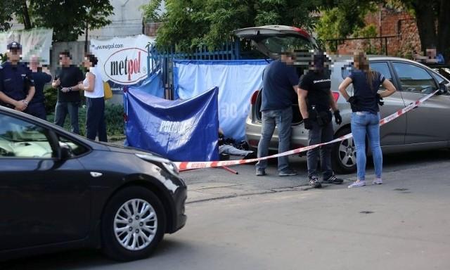 Zazdrosny nożownik zabił 36-latka! Wbił mu nóż w szyję i uciekł