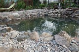 Woda w ogrodzie to zagrożenie dla dzieci. Zadbaj o bezpieczeństwo