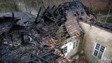 Pożar zabytkowego dworu w Gdańsku. Konserwator chce ratować spalony budynek [ZDJĘCIA, WIDEO]