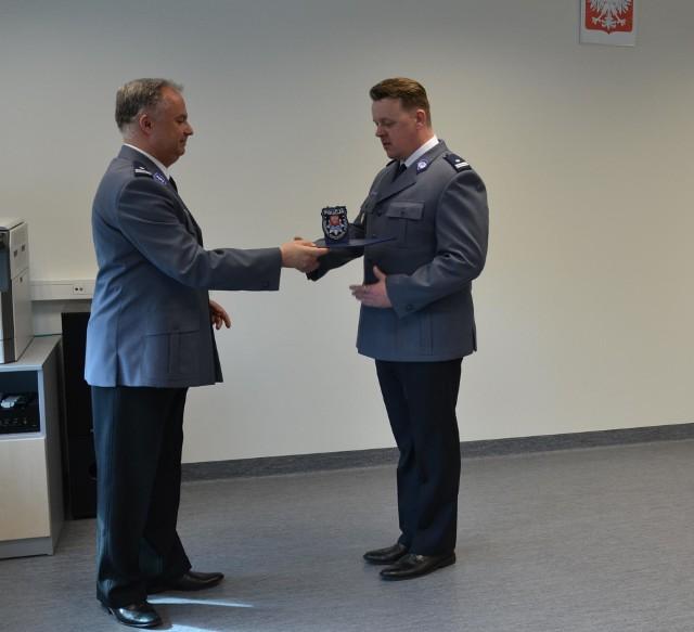 Komendant Andrzej Kot (z lewej) i jego nowy zastępca Mariusz Gurda
