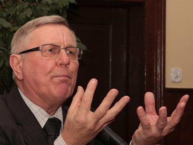 Burmistrz Tadeusz Dubicki jest najlepiej zarabiającym miejskim urzędnikiem w Międzyrzeczu.