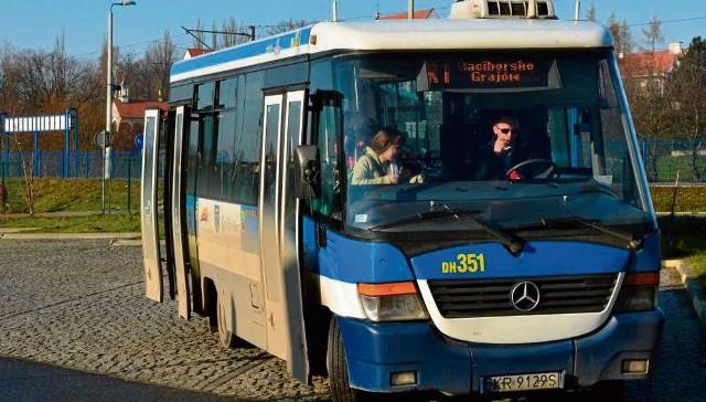 Po gminie kursują dwa kolejowe autobusy. Wiosną przybędzie trzeci