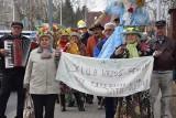 Klub Seniora Wrzos w Zielonej Górze przywitał wiosnę. Do śpiewu przyłączali się kolejni mieszkańcy! [ZDJĘCIA, WIDEO]