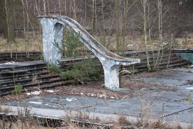 Kąpielisko w Kłodnicy jest częścią dużego kompleksu sportowego. Niestety, zostało ono niemal całkowicie zdegradowane.