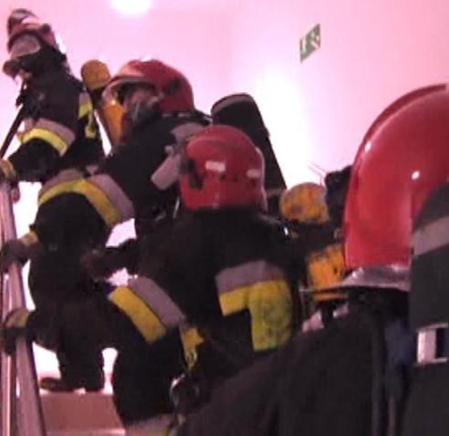 Strażacy nie wiedzieli, gdzie się ,,pali''. Musieli oblecieć całą galerię, by znaleźć źródło dymu.