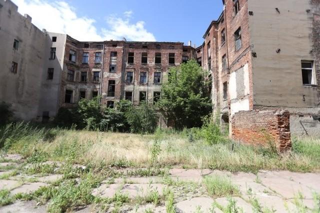 Remonty mają się rozpocząć w lipcu 2020 roku, zaś pierwsi mieszkańcy w odnowionych budynkach zamieszkają w 2022 roku.