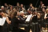 Tańczący i stepujący dyrygent i energetyczna muzyka. Sinfonia Baltica z przytupem zakończyła sezon
