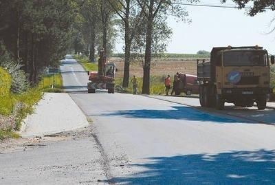 Drogowcy poprawią niewłaściwie wykonane prace Fot. Wiesław Piwowarczyk