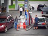 Minister finansów będzie ustalał podstawę VAT od nabytych paliw