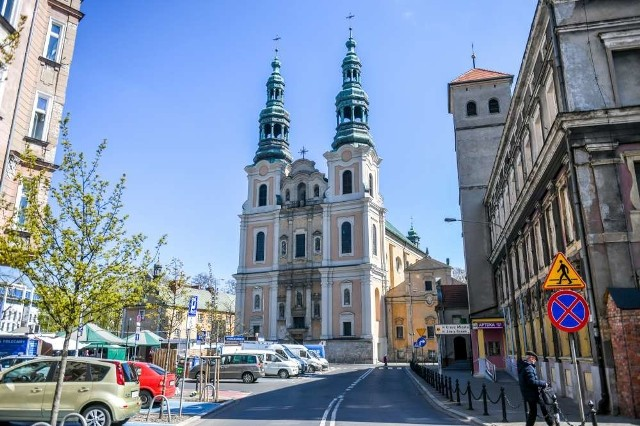 Poznań przekaże 310 tysięcy złotych dofinansowania na prace konserwatorskie elewacji wraz z zabezpieczeniami przeciwwilgociowymi kościoła pw. św. Franciszka Serafickiego przy ulicy Garbary 22 w Poznaniu