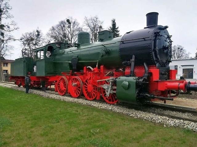 Pociąg pancerny nr 11  został sformowany w 1918 r.  w Warszawie. Ciągnął go  parowóz TP3-36 z tendrem z 1913 r. Pociąg został wykorzystany w Powstaniu wielkopolskim i podczas wojny polsko-bolszewickiej