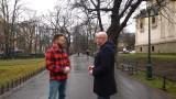 Krótki wywiad. Zapraszają bezdomnych na kawę