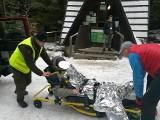 Trudne warunki w Sudetach. A ze Śnieżki jadą na sankach!