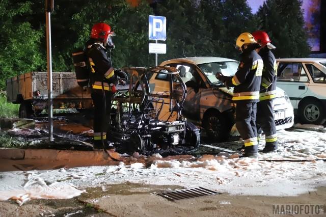 Pożar samochodów w Opolu.