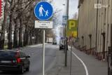 To miała być ścieżka rowerowa, jest parking rozszerzonej strefy SPP. Kręte drogi ku mobilności