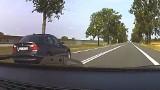 Popis niebezpiecznej jazdy w wykonaniu kierowcy bmw. DK nr 91 w Kujawsko-Pomorskiem. Podwójna ciągła, jazda na czołówkę [wideo]
