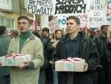 23 lata temu mieszkańcy Miastka walczyli w Warszawie o powiat (ZDJĘCIA)