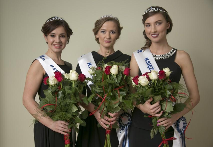 Królowa Mleka, Agnieszka Zaborska (w środku) z Księżniczkami Mleka: Joanną Pyś (z lewej) oraz pochodzącą z Łomży Anną Szkaradzińską