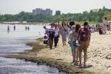 Długi czerwcowy weekend w Sopocie. Tłumy nad morzem korzystały z dobrej pogody [zdjęcia]