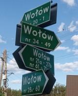 Wszystkie drogi prowadzą do... Wołowa. Niezwykłe skrzyżowanie w gminie Bliżyn