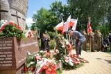 Lubelskie obchody Narodowego Dnia Pamięci Ofiar Ludobójstwa. Zdjęcia spod Pomnika Ofiar Wołynia