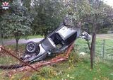 Niebezpieczne zdarzenie w miejscowości Laski w powiecie parczewskim. 19-latek wpadł w poślizg na zakręcie i dachował