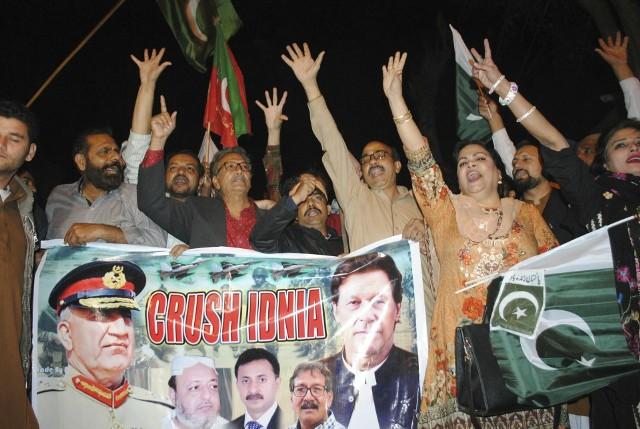 Zaostrza się konflikt między Indiami a Pakistanem. Indie żądają wydania pilota zestrzelonego samolotu