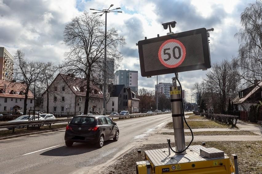 Od 13 marca maksymalna prędkość na całej długości al. Grunwaldzkiej i al. Zwycięstwa ujednolicona do 50 km/h