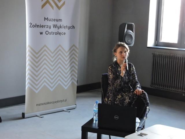 Początki muzealnictwa w Ostrołęce przedstawiała Jolanta Żubrowska