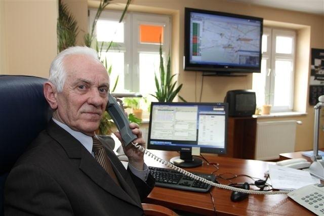 Od lipca w tej jednej dyspozytorni medycznej w Kielcach będziemy kierować akcjami ratunkowymi w całym województwie świętokrzyskim - zapowiada dyrektor Stanisław Florek.