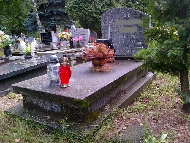 Szczątki Zygmunta Góralskiego znajdują się pod grobem osoby pochowanej w 1990 roku